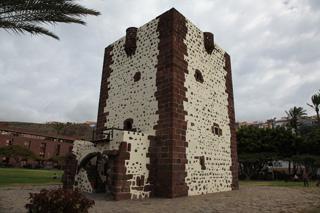 Символ острова Графская башня (Torre del Conde), Сан-Себастьян-де-ла-Гомера